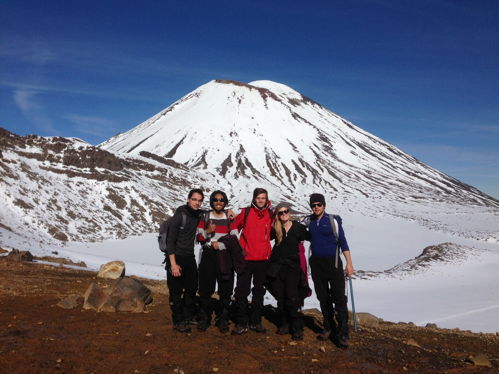 tongariro alpine crossing winter
